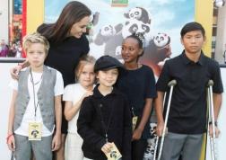 Jolie-Pitt: The cutest family ever.